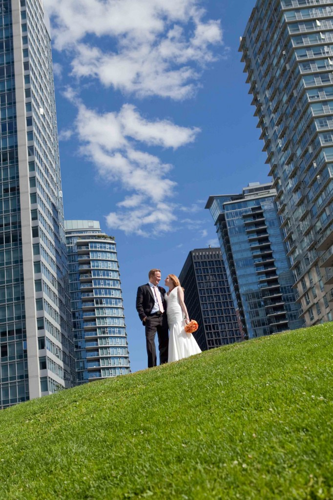 wedding photography, vancouver, skyscrapers, urban, city, coal harbour