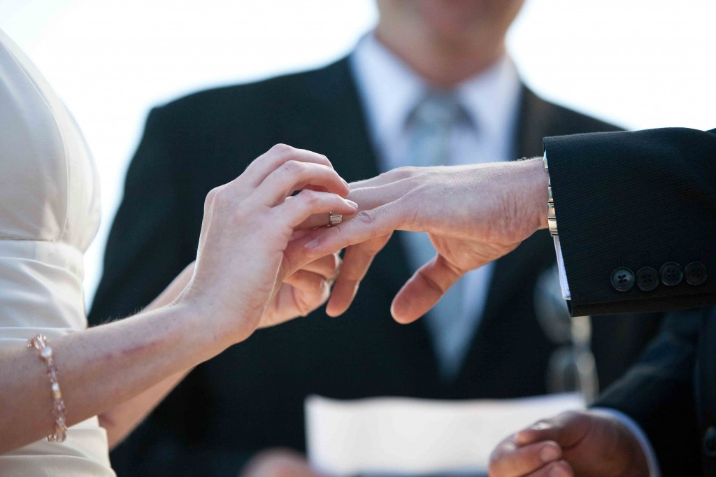 ring, detail shot, wedding ceremony, grouse mountain, vancouver, brent sheppard