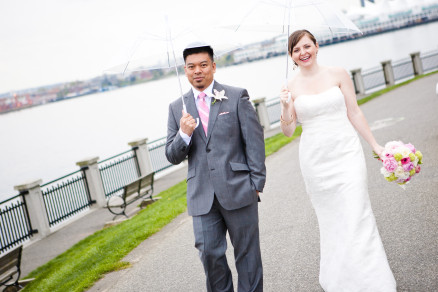 stanley park wedding, teahouse wedding, bride and groom portrait, rainy wedding