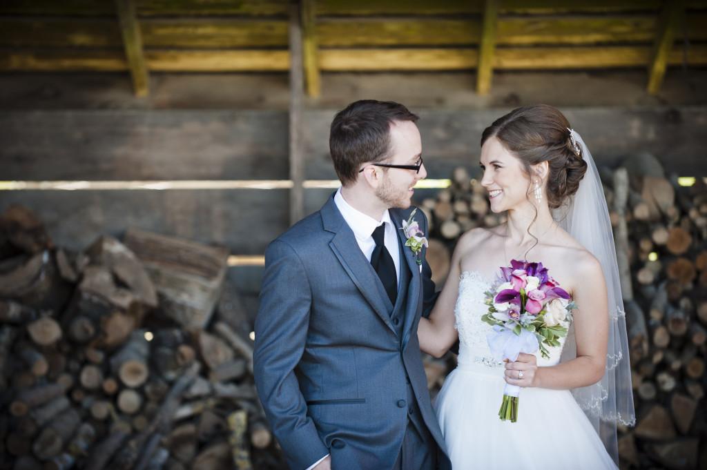 bride and groom, rustic barn portrait, saar bank farms