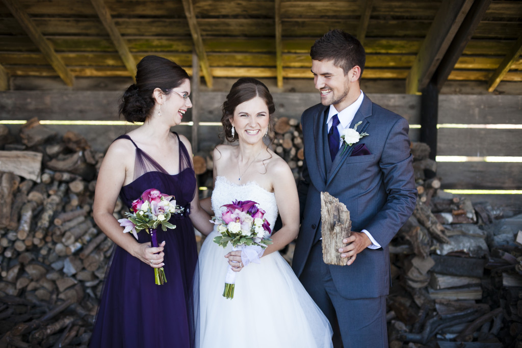 funny family portrait, bride with siblings, wedding