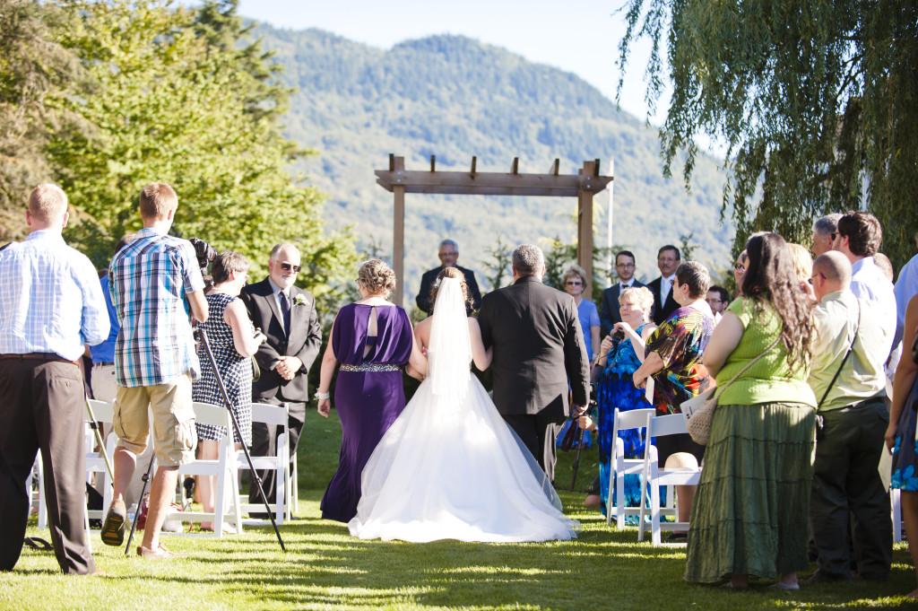 secret garden at woodbridge ponds ceremony, abbotsford wedding ceremony