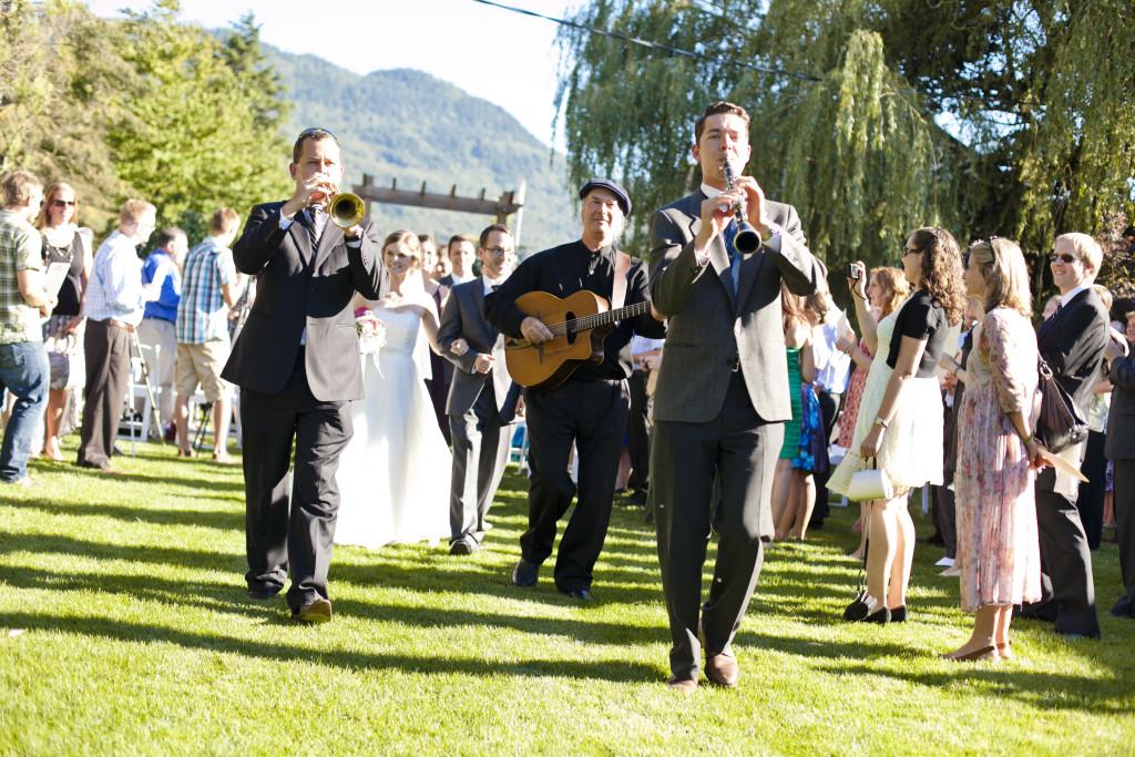 music parade, abbotsford wedding ceremony