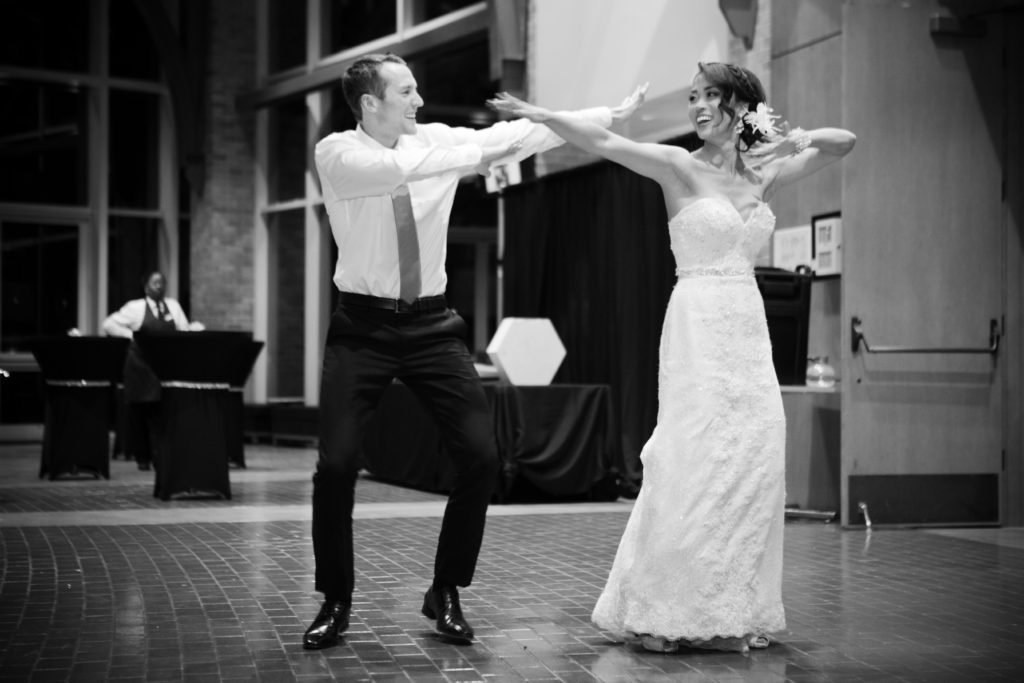 bride and groom first dance choreographed