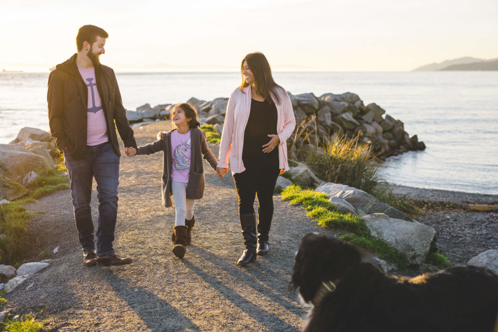 alternative family photography vancouver ambleside beach
