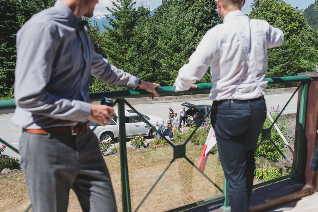 Guests arriving to airbnb in Squamish for the wedding