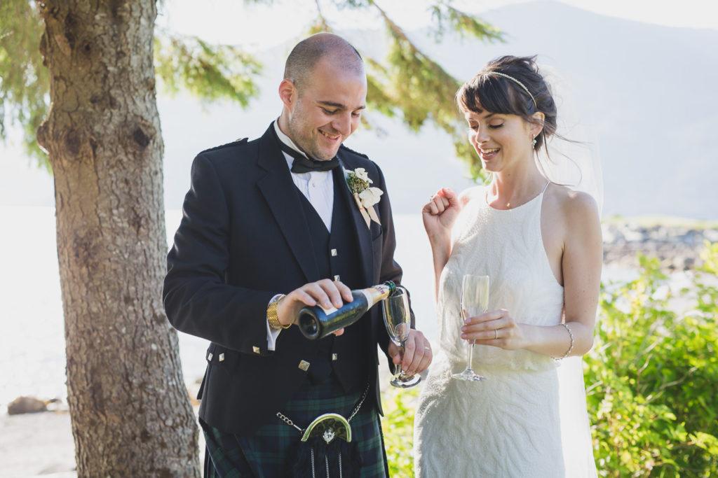 documentary wedding photos champagne pop