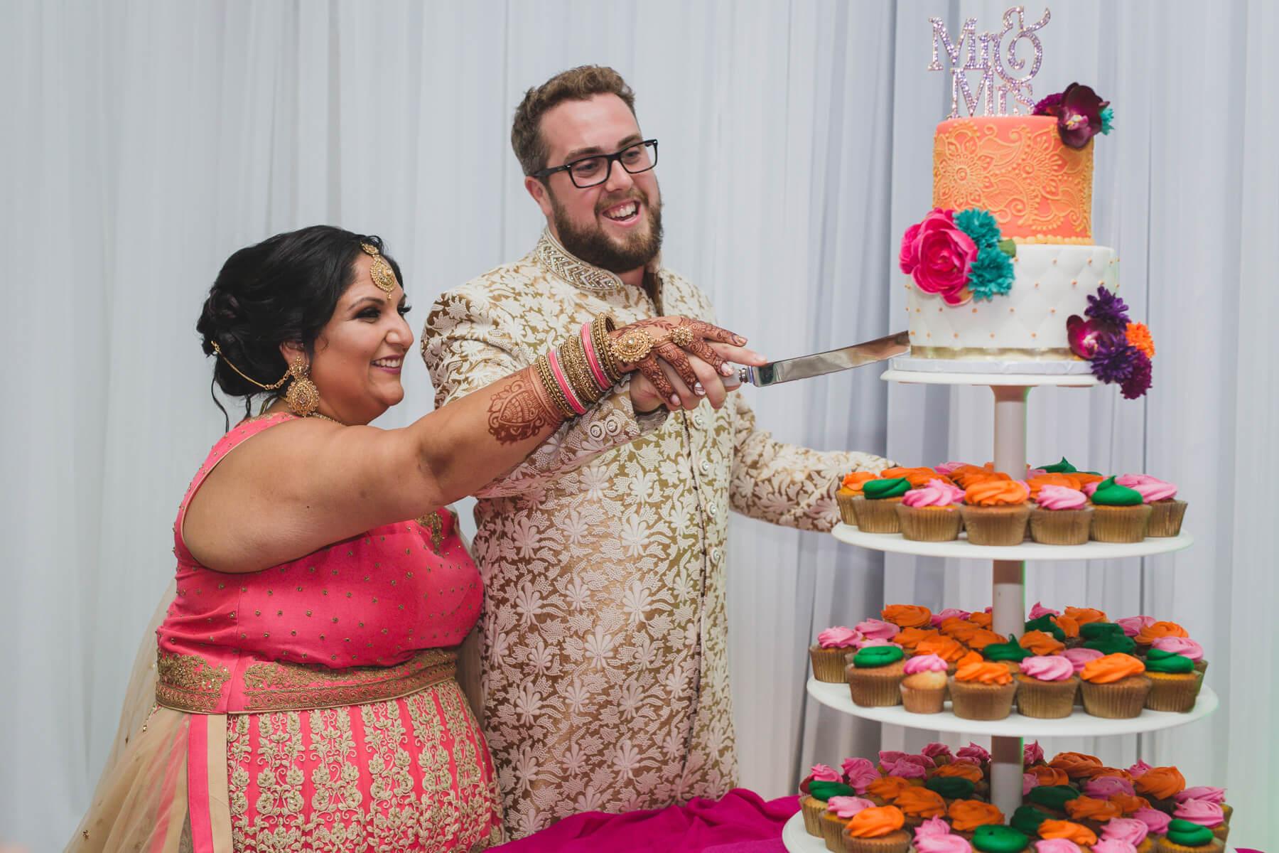wedding cake cutting neet's treats